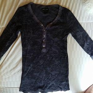 Athleta- black camo 3/4 sleeve thermo shirt
